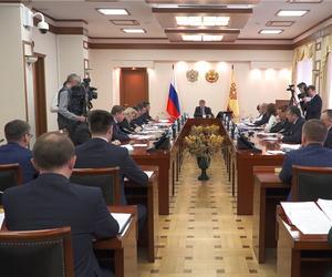 В Доме Правительства обсудили меры поддержки социальных категорий граждан и бизнесменов в условиях пандемии.